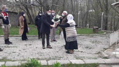 Photo of Hınıs Kaymakamı Sayın Mustafa İlhan'dan şehit annelerine anlamlı ziyaret