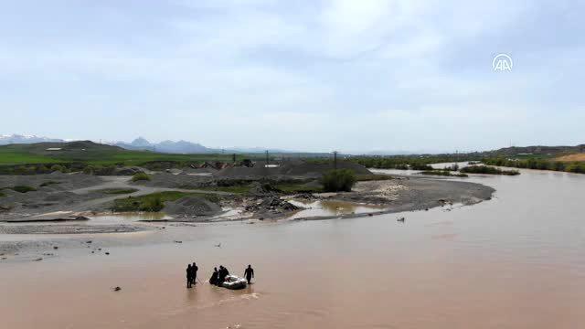 Aras Nehri'nde sulara kapılan çobanın cansız bedenine ulaşıldı