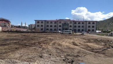 Photo of Oltu Hükümet binası önünde peyzaj çalışmaları başladı