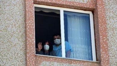 Photo of Komşularının düğününe gittiler korona virüse yakalandılar