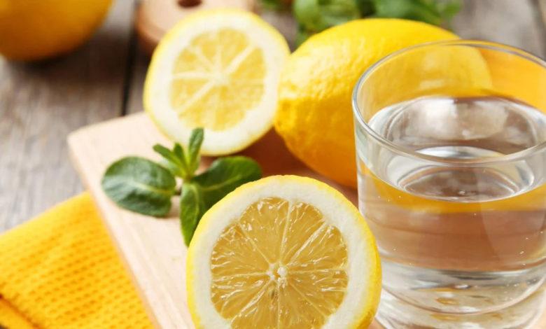Sabahları Aç Karnına Limonlu Su İçmenin Faydaları...